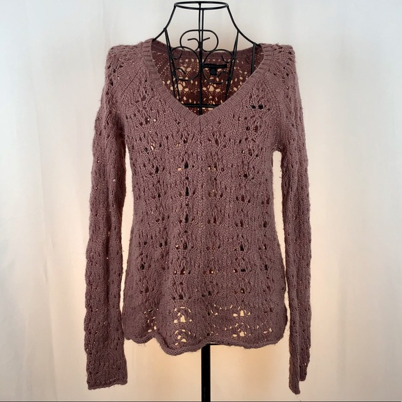 American Eagle Outfitters V-neck sweater S